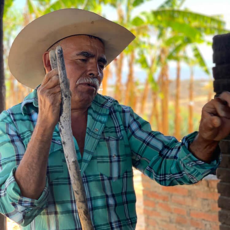 Victor Ramos Maestro Mezcalero