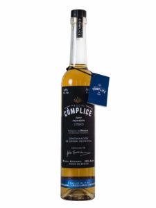 Mezcal Cómplice Añejo bottle